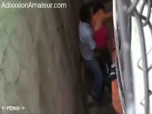 Flagrante no corredor