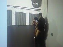 Novinha vagabunda foi flagrada dando sua buceta