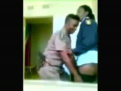 Policiais flagrados fazendo sexo amador