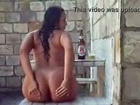 Morena rabuda com seu amante no motel
