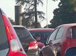 Sexo amador no estacionamento