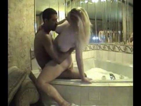Coroa gostosa no motel com outro